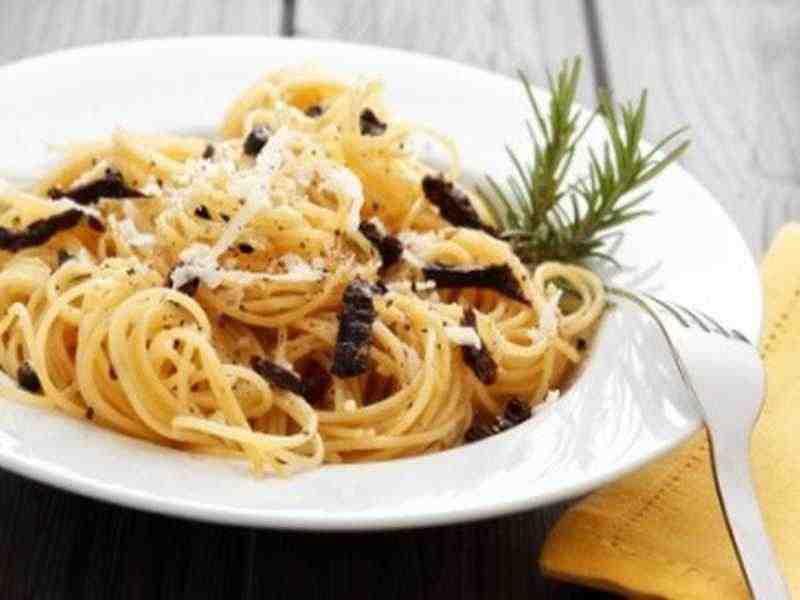 Spaghetti mit getrockneten Tomaten Rezept
