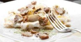 Tortellini mit Pilze-Käse-Sahnesauce